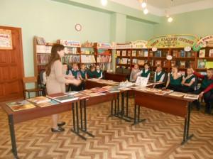 Беседа у выставки Свет православия