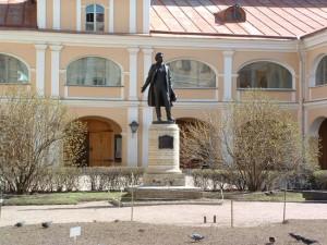 Двор дома Пушкина на Мойке